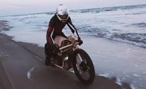 Test in Spiaggia - Moto alimentata ad Alghe